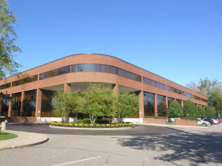 Office Freedom   3200 Greenfield Rd