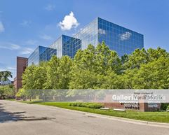 400 Galleria Officentre - Southfield