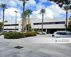 Crandon Office Center - Key Biscayne
