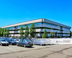 280 Corporate Center - Roseland
