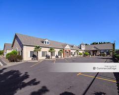 Colonial Plaza - Hillsboro