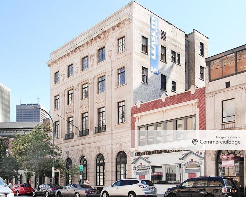 Plaza Suites - 70 Niagara Street