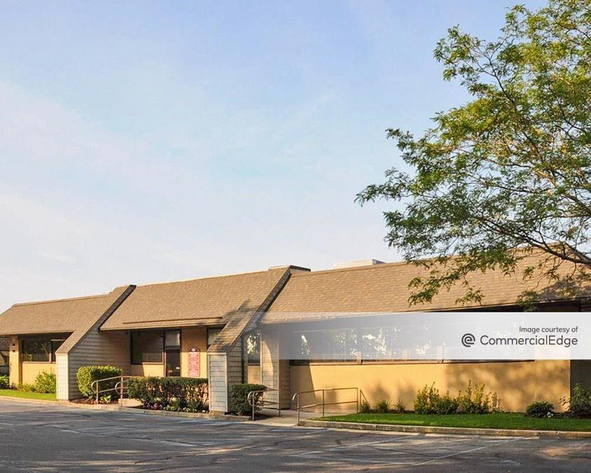 Brookhaven Executive Center - Buildings 7 & 8