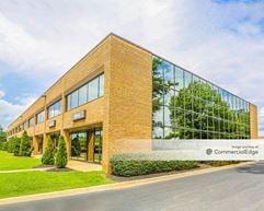 Commonwealth Business Center - 11003 Bluegrass Pkwy - Louisville
