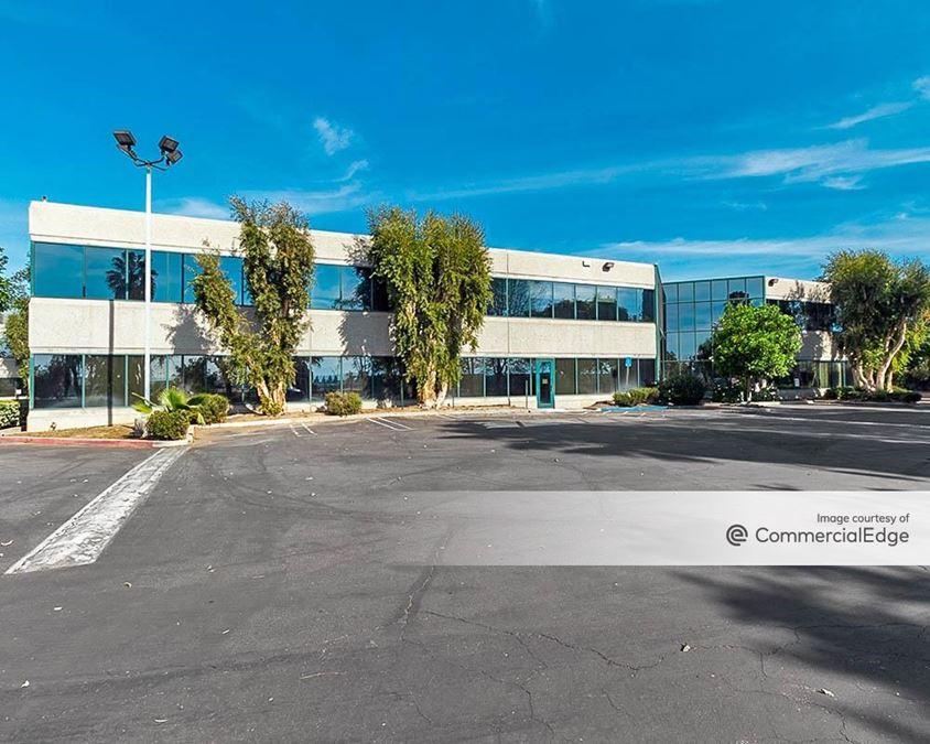 Valencia Corporate Center - 16340-16380 Roscoe Blvd