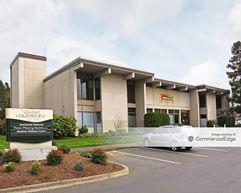 Oakway Center - 2260 & 2280-2296 Oakmont Way - Eugene