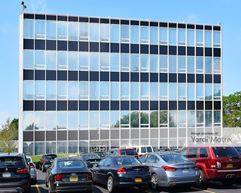 100 Merrick Road - West Building - Rockville Centre