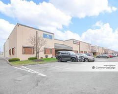 Maplewood Business Center 1 - Maplewood