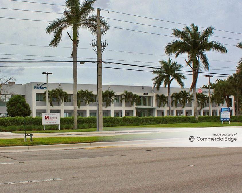 Crown Center - 1401-1475 West Cypress Creek Road