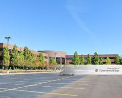 Brookfield Lakes Corporate Center - 18650 West Corporate Drive - Brookfield