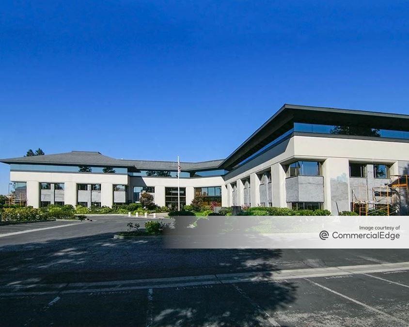 Peninsula Corporate Center