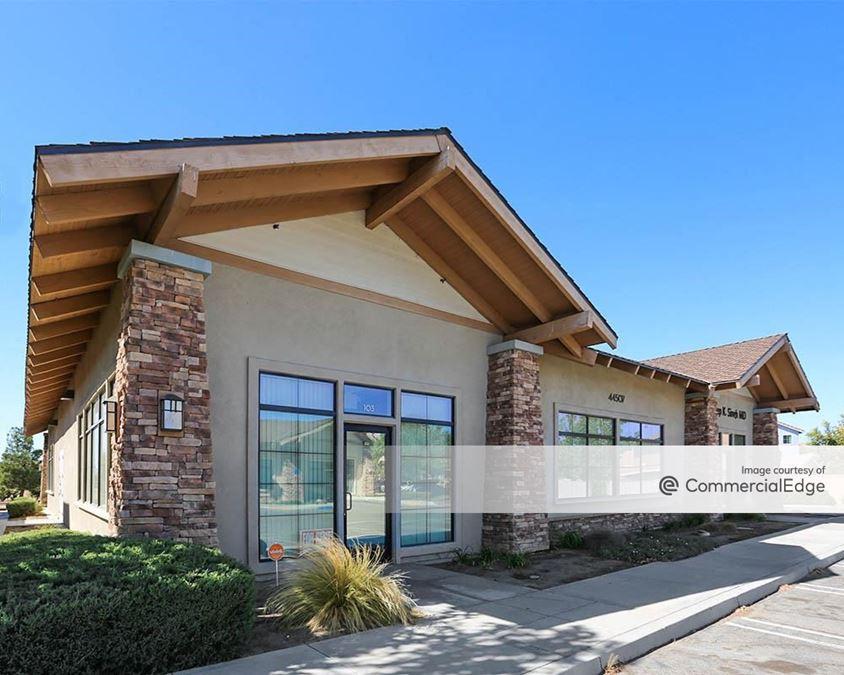 Antelope Valley Medical Plaza