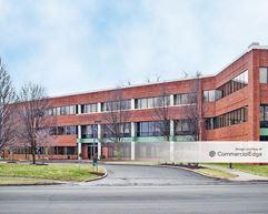 Lehigh Valley Corporate Center - 1605 Valley Center Pkwy - Bethlehem