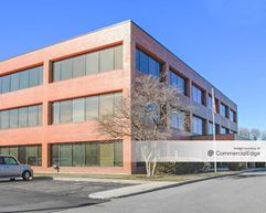 Bond Street Office Complex - Naperville