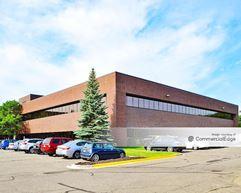 Shoreview Corporate Center - 4000 Lexington Avenue North - Shoreview