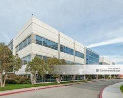 The Gateway North Campus - 951 Gateway Blvd - South San Francisco