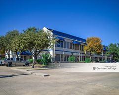 Parc Oak Plaza - Grand Prairie
