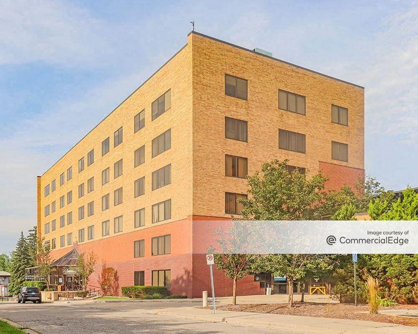 Pontiac General Hospital - Seminole Center