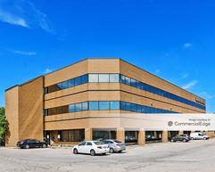 Mayfair Health Professional Building - Milwaukee
