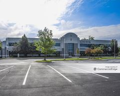 Pinnacle Center - Southaven