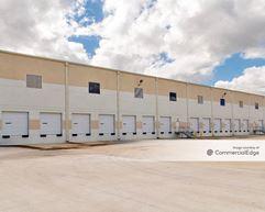 Airtex Commerce Center - 431 East Airtex Drive - Houston