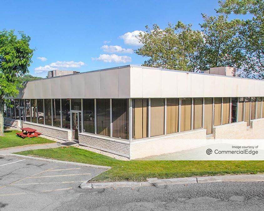 Cross Westchester Executive Park - 85 Executive Blvd
