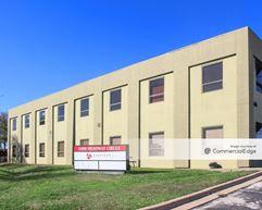 HEADWAY PROFESSIONAL BUILDING - Austin