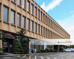 Huntington Office Center - Melville
