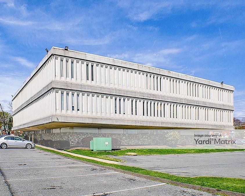 University Boulevard Medical Plaza