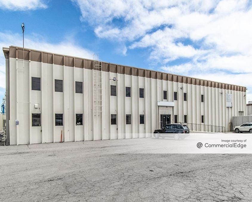 Dartmouth Industrial Park - 3101-3151 South Platte River Drive