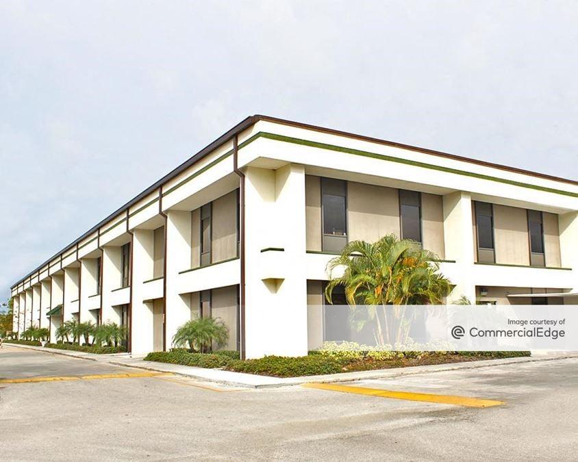 Starkey Lakes Corporate Center - 8550 Ulmerton Road