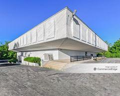 11115 New Halls Ferry Road - Florissant