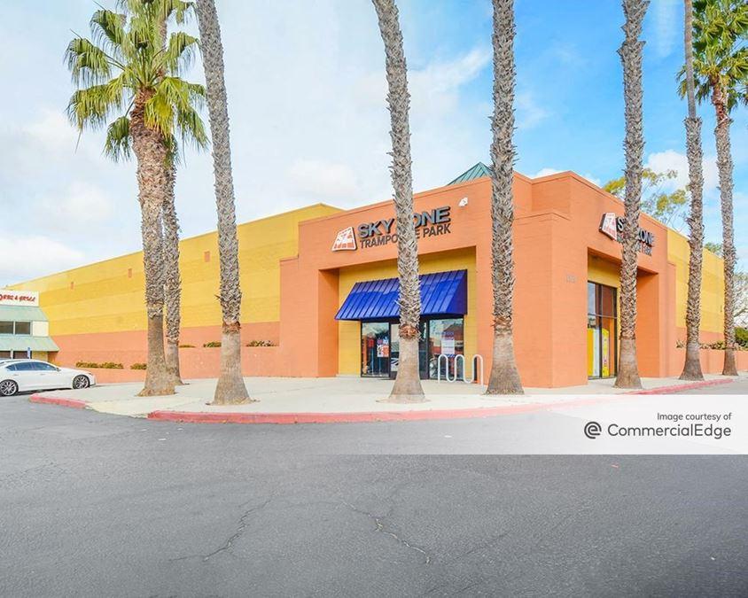 Gateway Village Shopping Center