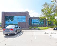 West Lakes Office Park - 6800 Lake Drive - West Des Moines