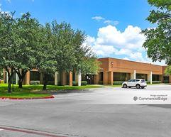 7920 Elmbrook Drive - Dallas