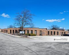 White Pines Office Center - Bensenville