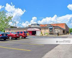 Woodland Professional Center - Detroit