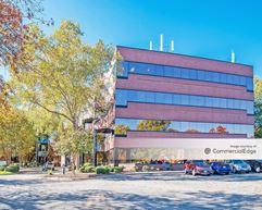 Patrick Henry Corporate Center - Newport News