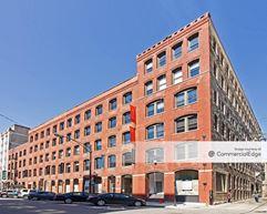 212 West Superior Street - Chicago