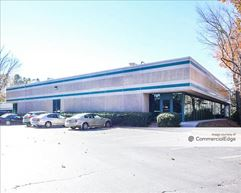 Lakeside Centre / 1967 Building - Tucker