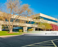 Medline Industries Corporate Headquarters - 1 Medline Place - Mundelein