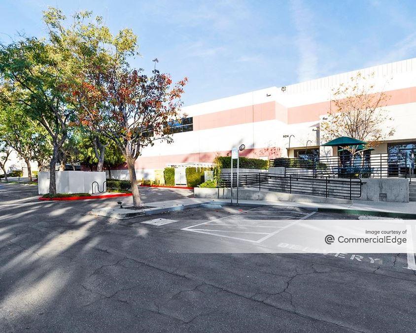 San Dimas Corporate Park - 924 Overland Court