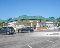 Pondview Plaza - Monroe Township