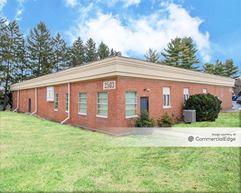 Oregon Business Center - Lancaster