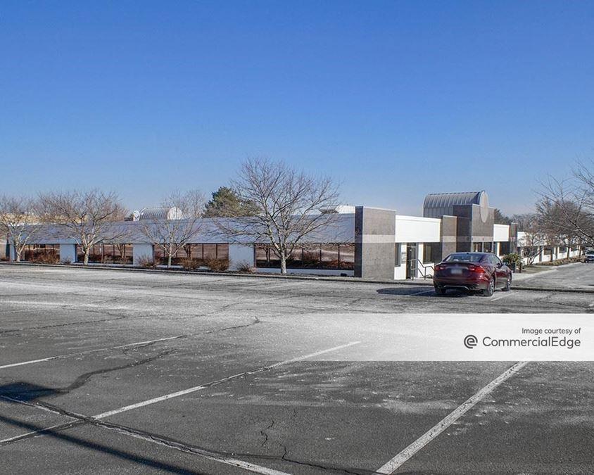 Pennsylvania Business Campus - 200-264 Lakeside Drive