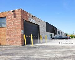 2200 West 16th Street - Broadview