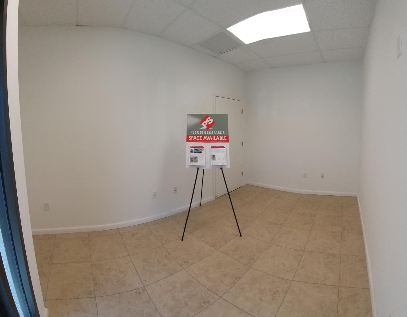 662 SF Warehouse with Office